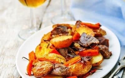 Агнешко печено с картофи и бира